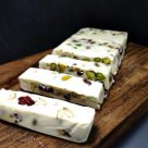 Turrón de camembert y frutos secos